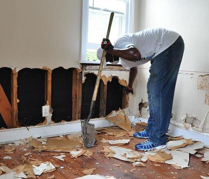 Water Damage Water Damage: Things to do Before the Professionals Arrive